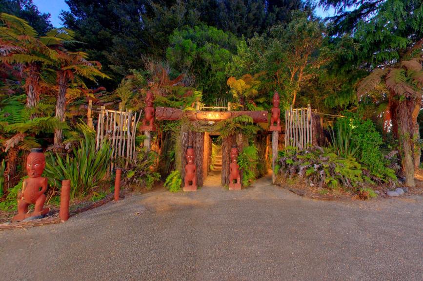 Entrance to the Tamaki Maori Village